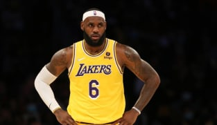 NBA-Playing low minutes isn't good for me, says Lakers' James