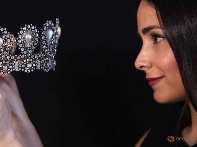 Italian tiara, Kashmir sapphire to feature at Sotheby's auction