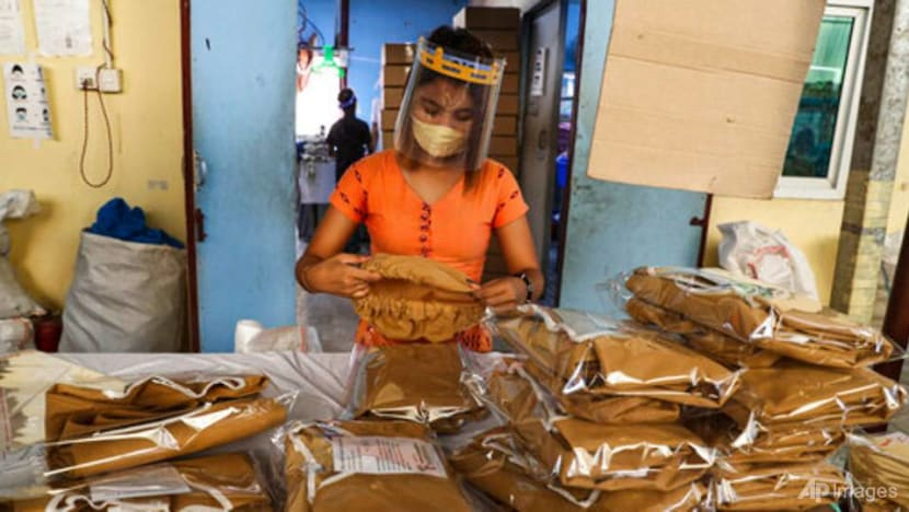 ILO says garment industry should do more to help workers hit by COVID-19 pandemic