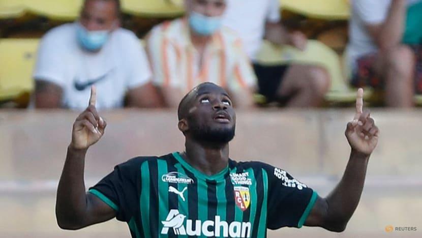 Soccer-Lille still winless as Lens sink Monaco