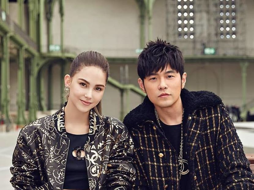 Mandopop star Jay Chou takes to the skies to declare his love for wife