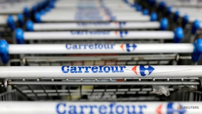 Couche-Tard CEO would love second shot at Carrefour deal