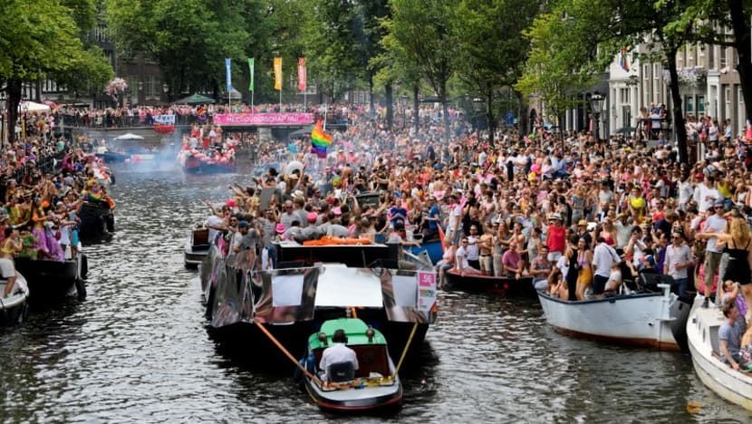 Amsterdam substitutes 'Pride Walk' for canal parade in 25th anniversary of Gay Pride