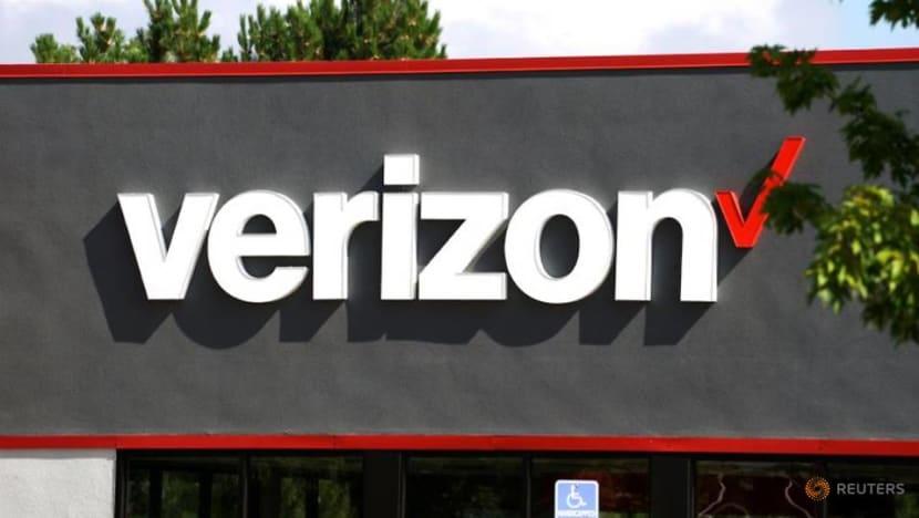 Verizon misses postpaid phone subscriber estimates