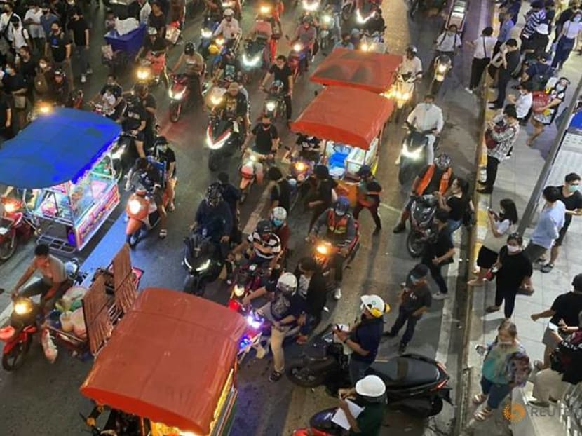 Fastest food: The Thai street cooks who get to protests first