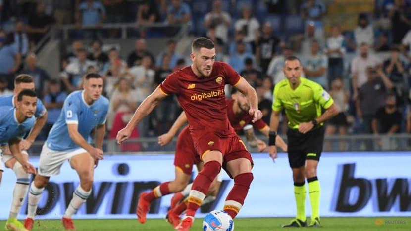 Football: Pedro comes back to haunt Roma as Lazio win derby thriller