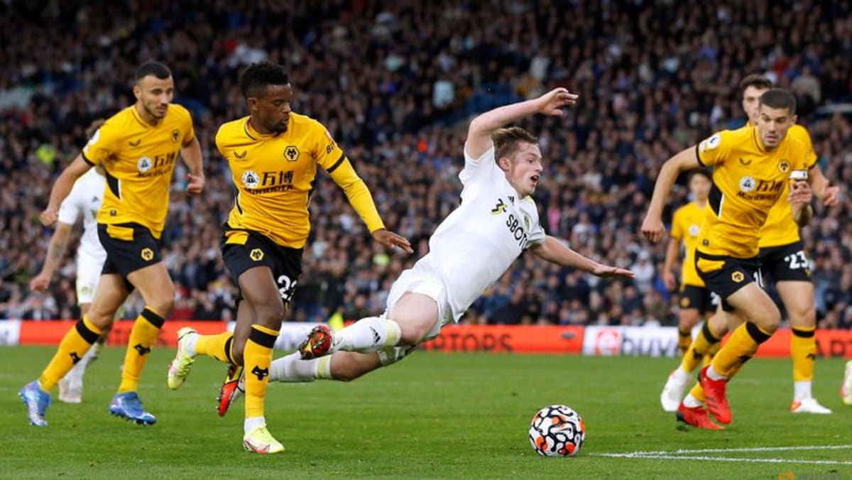 Leeds draw with Wolves as Rodrigo nets late penalty
