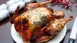 工人短缺 英国人今年圣诞或无火鸡和圣诞树过节