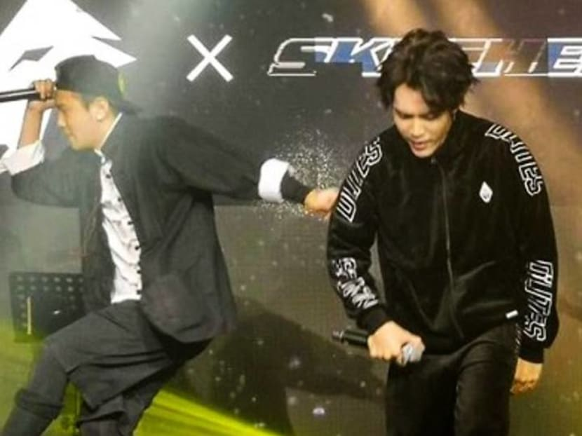 Ian Fang joins Singapore Mandopop band AL4HA on stage at music showcase