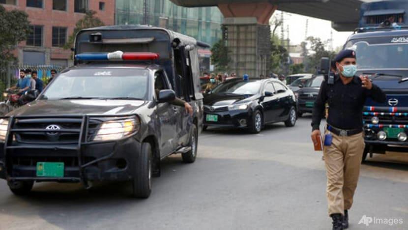 Pakistan court condemns 2 men to death in highway rape case