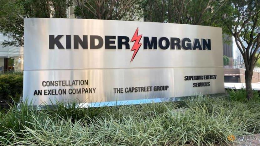 Kinder Morgan beats profit estimates on higher natgas volume