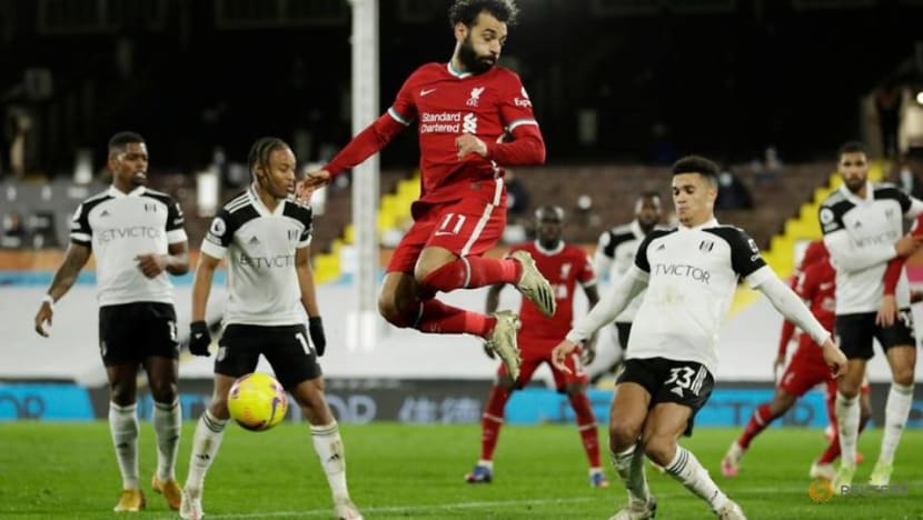 Spurs and Liverpool held, Leicester close in