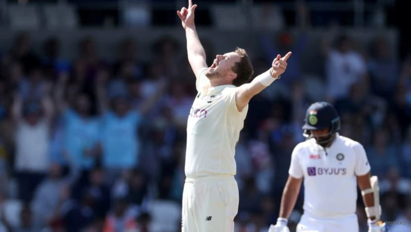 Cricket:India collapse again as England seal crushing win