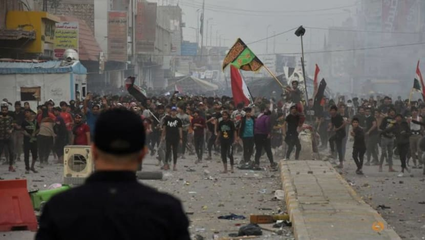 Four dead as rival protesters clash in southern Iraq