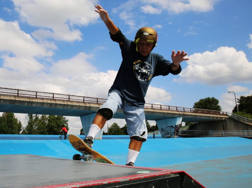 81-year-old Japanese learns skateboarding to prevent dementia