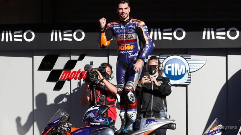 Local favourite Oliveira wins Portuguese MotoGP race