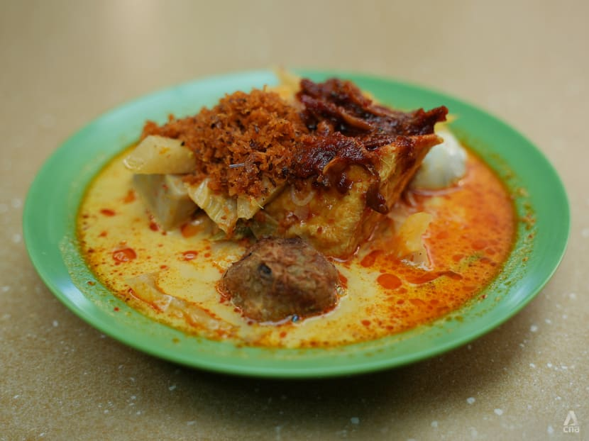 Best eats: Delicious lontong from a family-run stall worth cheering about