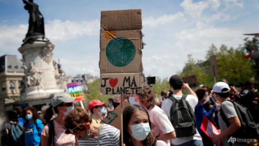 French court gives government 9 months to boost climate change action