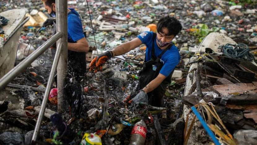 Philippine 'river warriors' fight tide of trash for cleaner future
