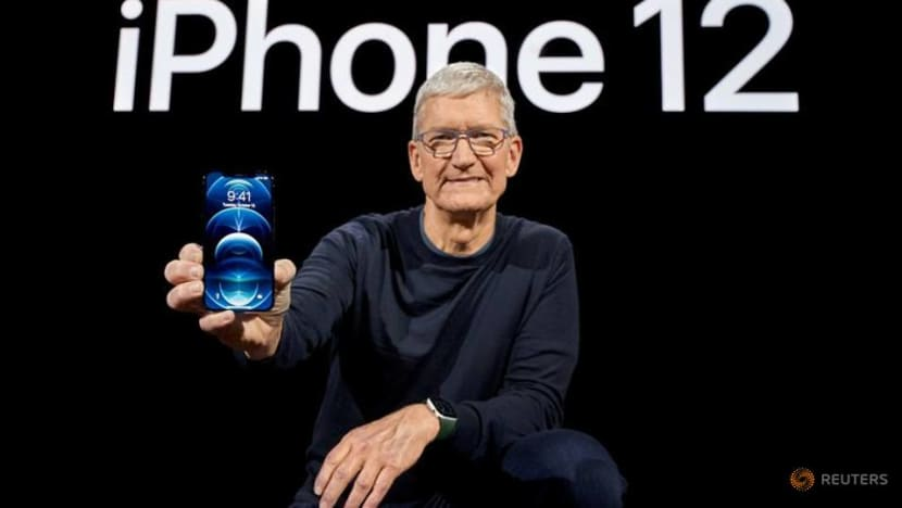 Apple must face shareholder lawsuit over CEO Cook's China sales comments