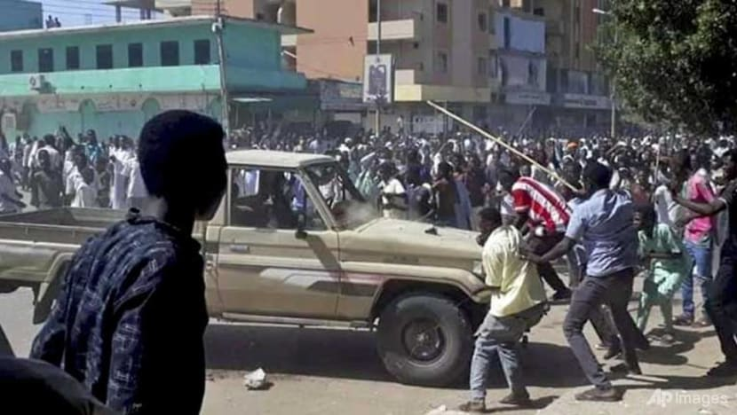 Sudan government says 19 killed in bread price protests, as journalists strike