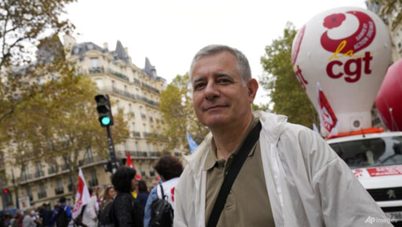 French healthcare workers who are unvaccinated against COVID-19 to face suspension
