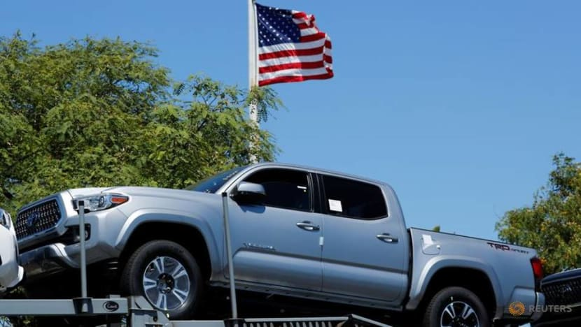 US auto sales stay on recovery path despite tight inventory