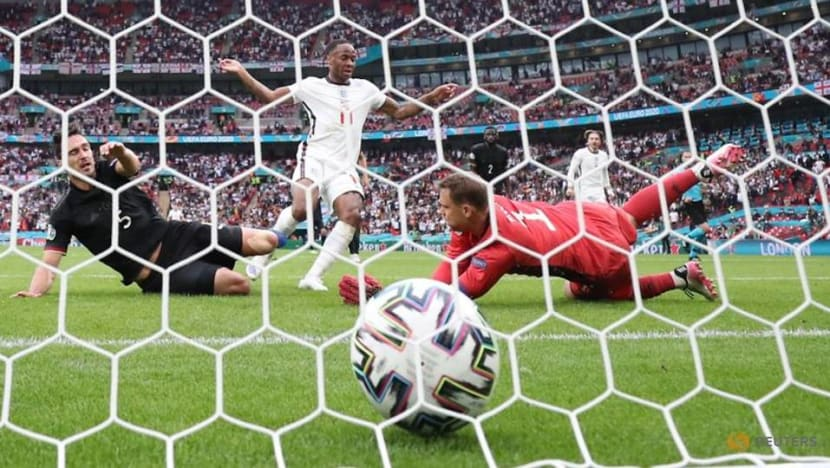 Soccer-England boss Southgate heaps praise on 'fighter' Sterling