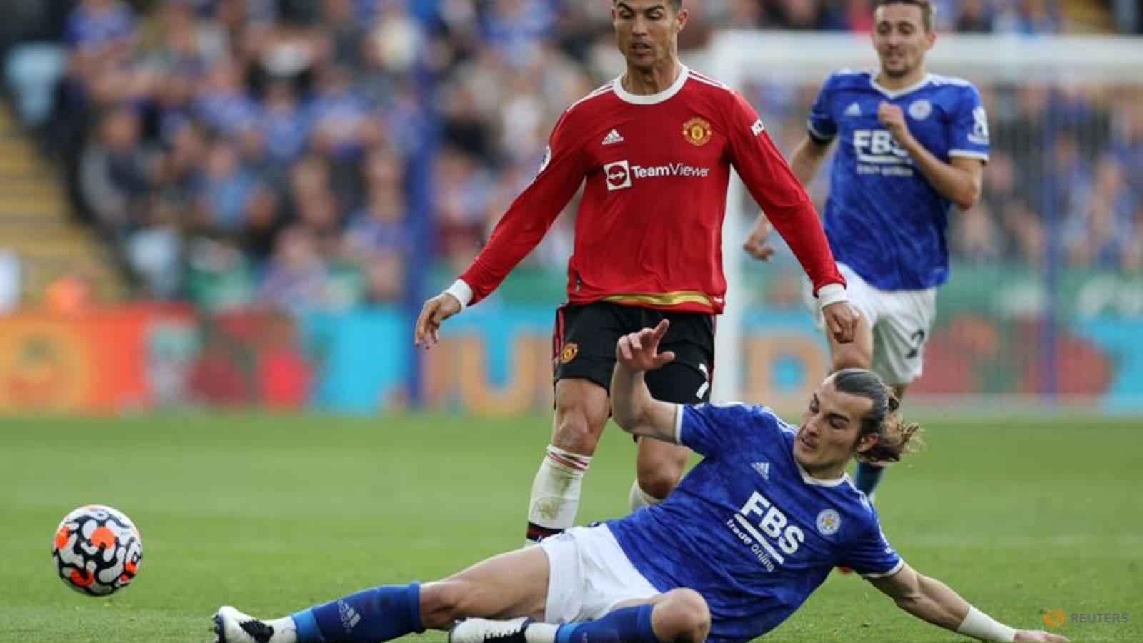 United stumble again as City and Liverpool march on