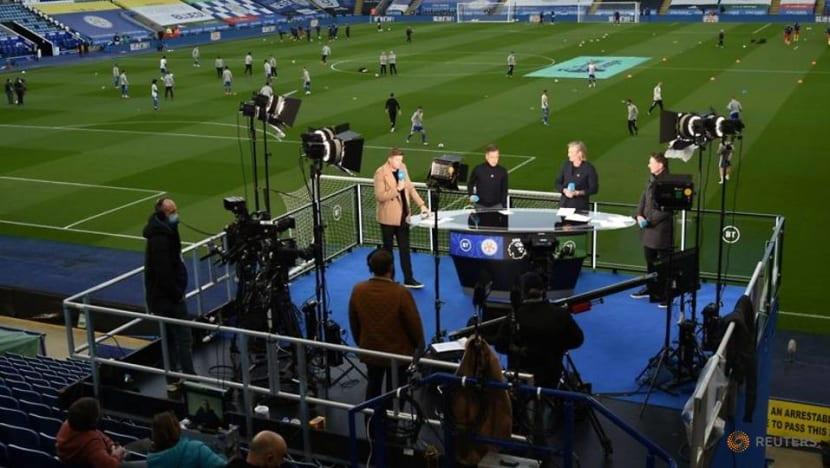 Football: Premier League clubs renew UK TV deals, skip auction