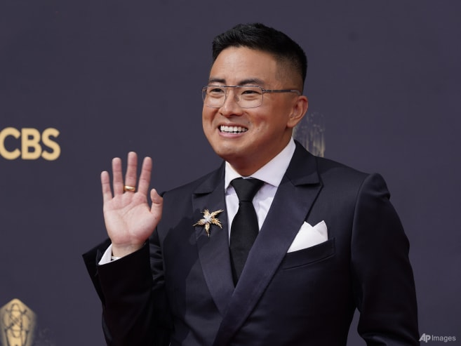 Can men wear brooches? SNL's Bowen Yang says yes – at the Emmy's