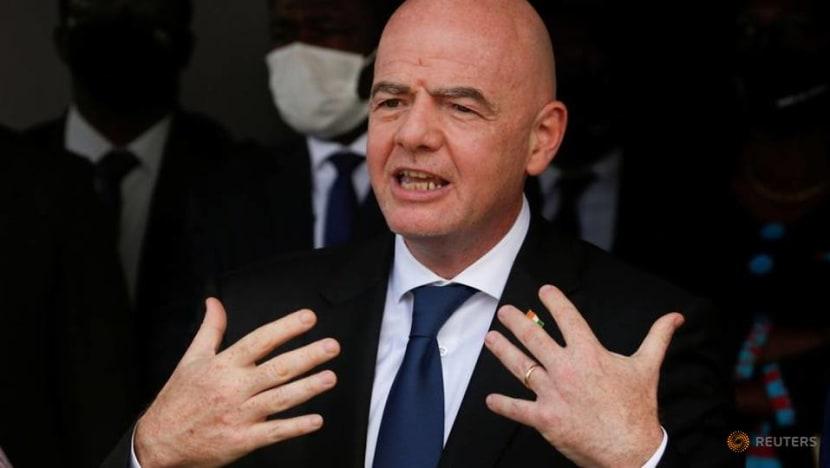Soccer-Infantino refuses to deny having met breakaway clubs