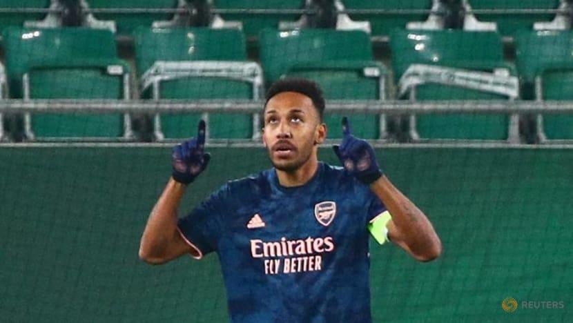 Arteta says Aubameyang must handle expectations at Arsenal