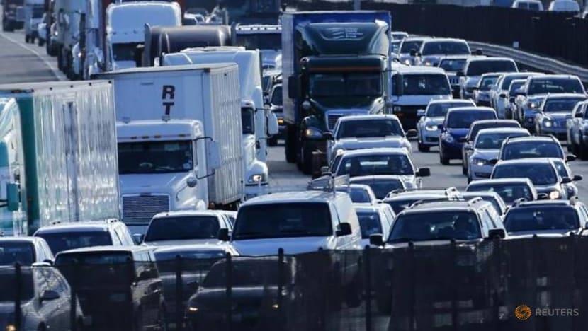 US pedestrian road deaths at highest level since 1990