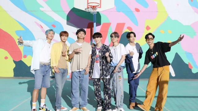 历史上第5组!BTS同时拿下Billboard冠亚军单曲