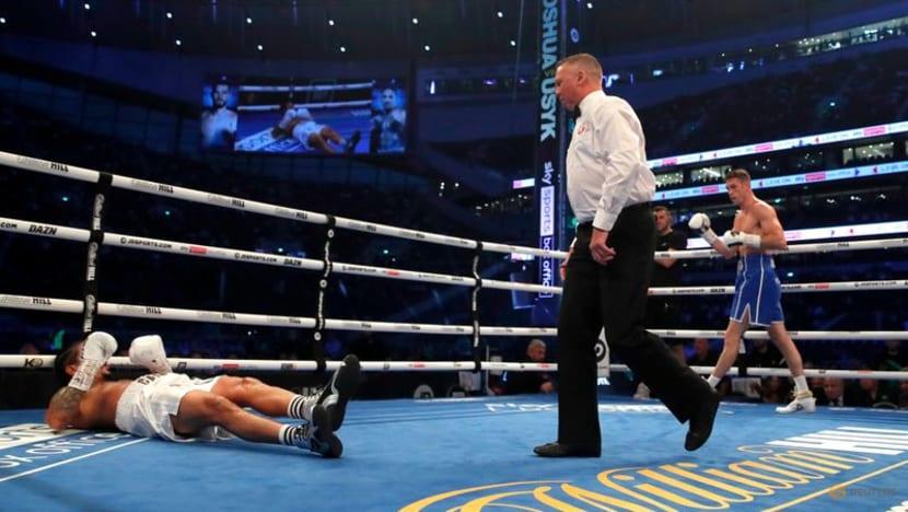 Boxing: Castillo taken to hospital after brutal knockout