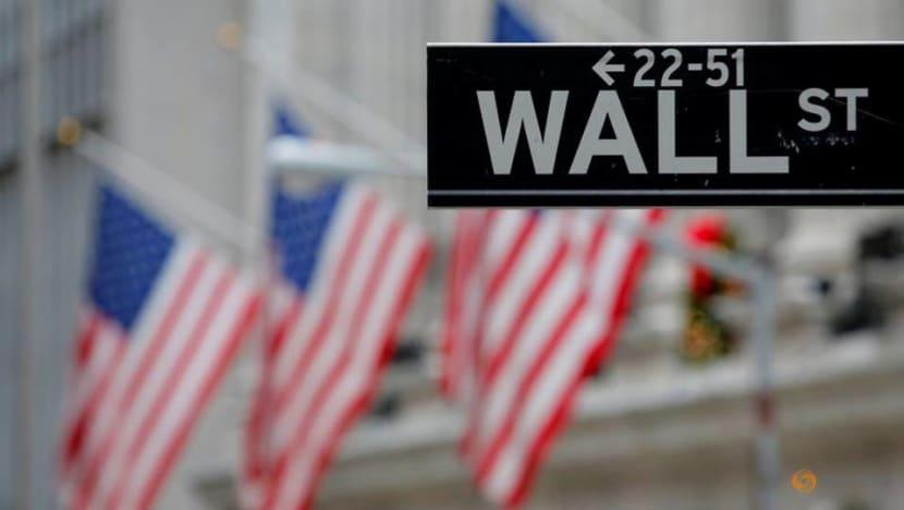 Wall Street dives as shutdown worries overshadow vaccine hopes
