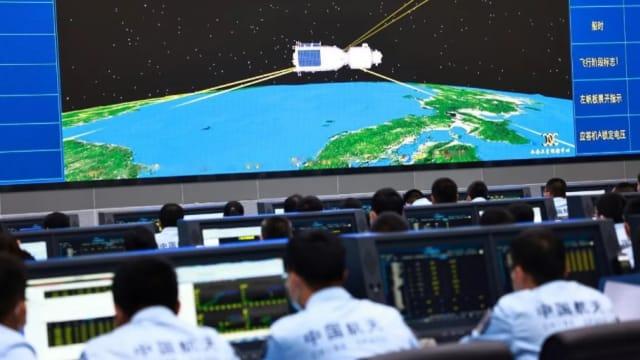 中国成功发射 神舟十三号载人飞船