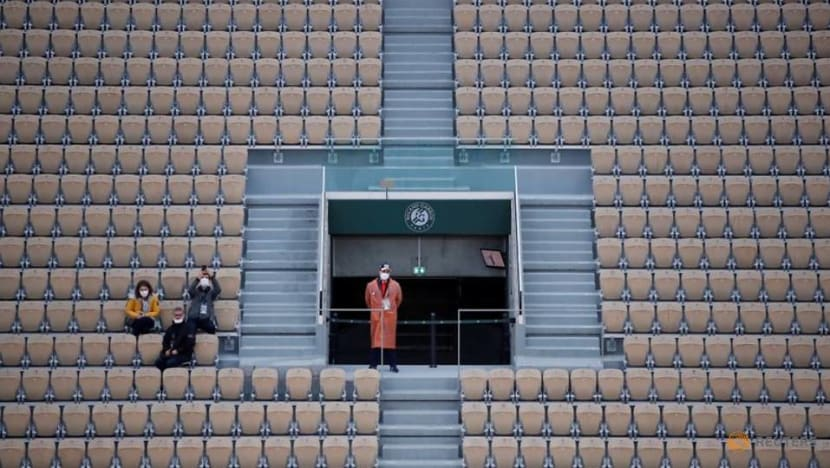Tennis: Up to 1,000 fans per court at French Open, says minister