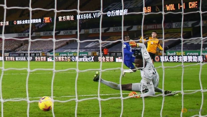 Football: Neto grabs late winner as Chelsea fall to Wolves