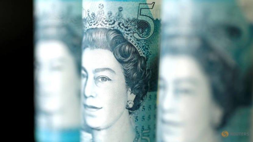 Pound struggles near 3-year low against Singdollar as hard Brexit fears rise