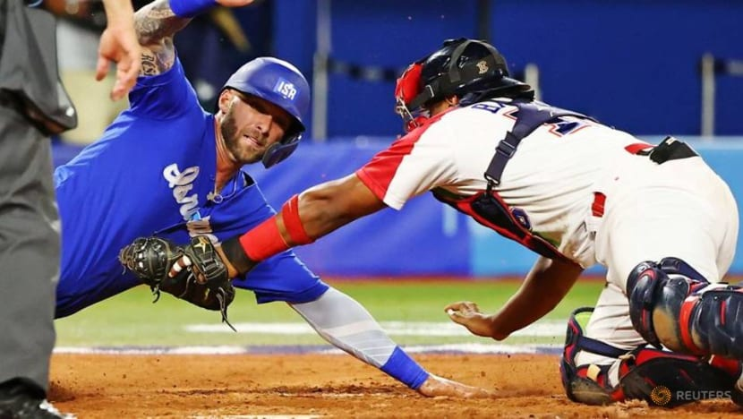 Olympics-Baseball-Dominican Republic rallies past Israel to advance to medal game