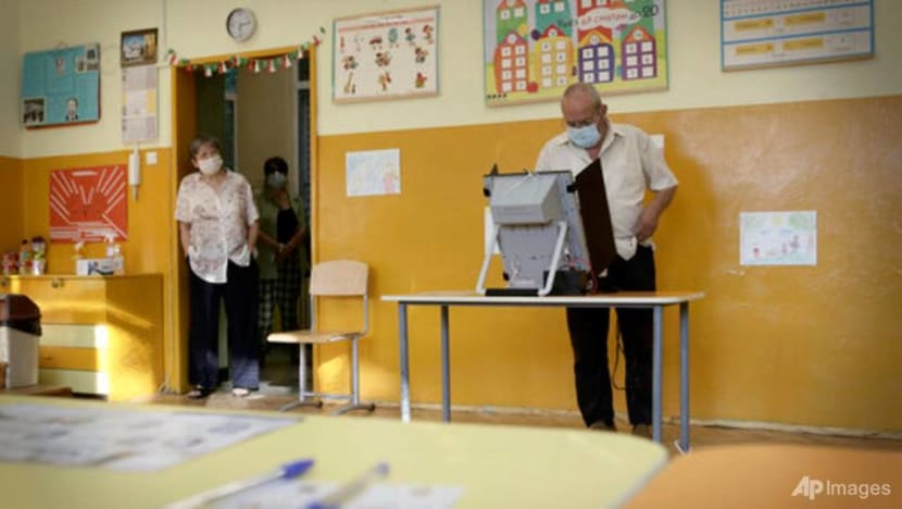 No clear winner emerges from Bulgarian parliamentary election