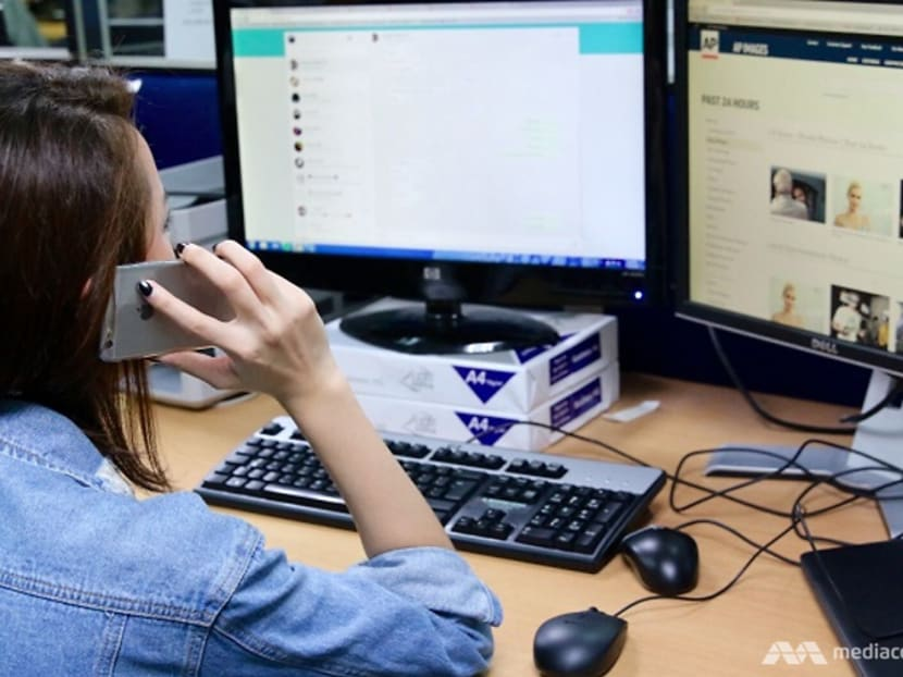 Commentary: Multitasking between devices associated with poorer attention and memory