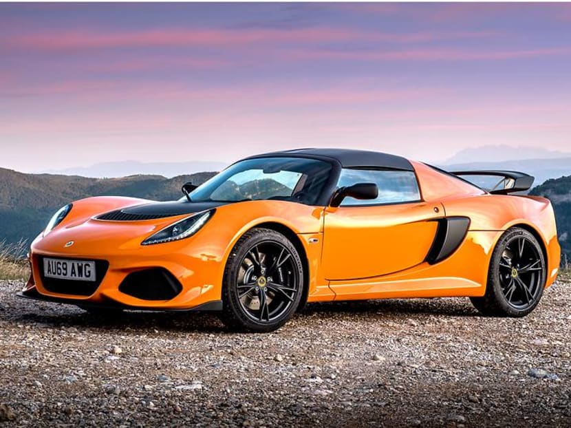 China's superrich, 'as young as 18', were buying sports cars during lockdown – sight unseen