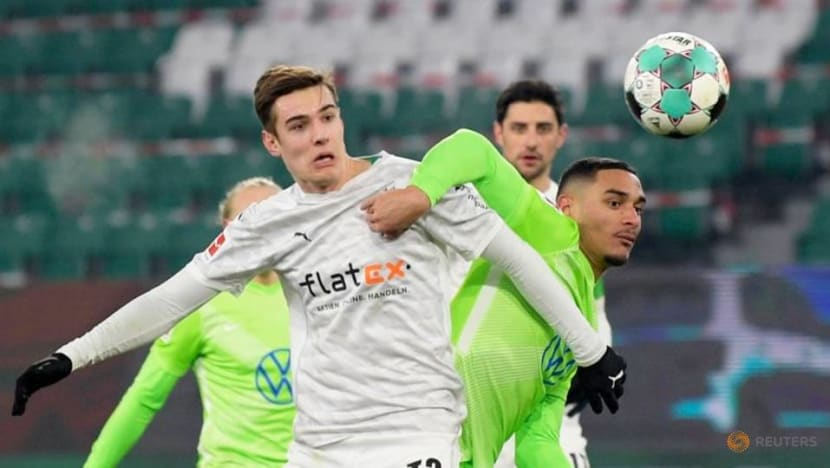 Football: Wolfsburg miss chance to go third after being held by Gladbach