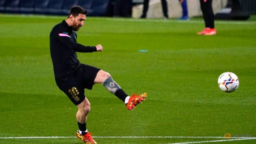 Record-breaking Messi at the double as Barcelona win 6-1