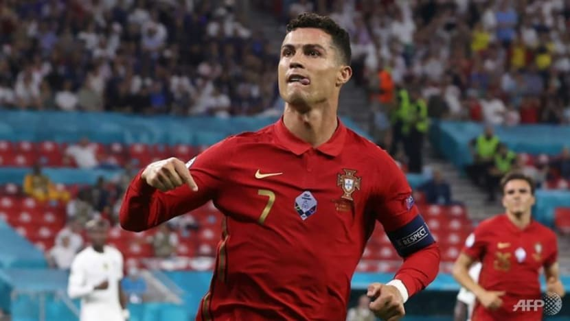 Commentary: Ronaldo's move to Manchester United is great for fans but not so much for football