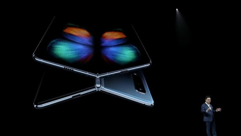 Samsung Galaxy Fold's screen malfunctions after a day, some reviewers say