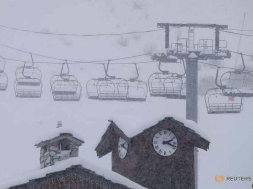 French resorts ask: will COVID write off whole ski season?